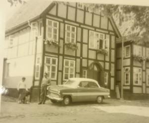 Ansicht Kirschstr_ca_1959_Ford Taunus 12m